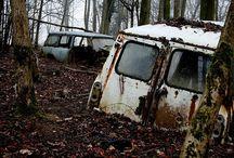 Minis abandonados / Nuestros queridos Minis dejados en los peores sitios.