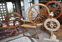 Spinning Wheels / Pictures of spinning wheels we have known