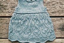 strikket babykjole