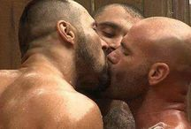 Men Kiss
