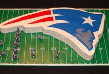 Top New England Patriots Cakes / Although we are Seahawks fans at Cake Central, we think these Patriots cakes deserve their day in the sun. No matter who you're... #featured-cakes #patriots #football #super-bowl #cakecentral