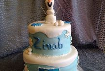 Frozen by @sweetartofcake in Hayward CA / All things sweet that are Ana and Elsa