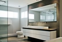 Salles de bain / Plus qu'une pièce utilitaire, la salle de bain est aussi un endroit de détente. Son design doit donc s'harmoniser à votre personnalité et à vos besoins pour vous permettre de profiter au maximum de votre nouvel espace.