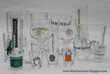 Verres chartreuse / Le verre joue un rôle primordial dans la dégustation de la liqueur et c'est particulièrement vrai en ce qui concerne celle des Pères Chartreux.