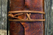 Käsityöt-handcraft / metallin muovausta nahkatöitä