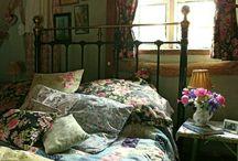 English Counrty Home