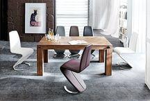 Pures Design / Gedeckte Farben, warme Akzente, reduziertes Design, raffinierte Eleganz: So sieht puristisches Wohnen aus!