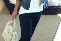 Look avec pantalon bleu marine