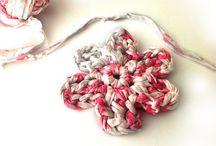 Apliques crochet-trapillo / by Sonia .
