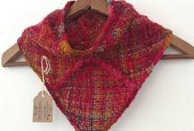 Bandanas, Cuellos y más. / Diseñando y creando con lanas y diferentes texturas!Nuevos diseños de bandanas de lana, tejidas en palillo y a telar. Me encanta mezclar técnicas y texturas!! ❤