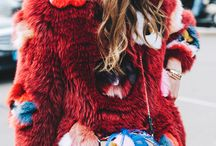 Herbst/Winter Fashion / Winter & Autumn: Time for capes, okay & mules with fake-fure, Acne scarfs, too much layers &&&