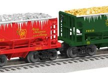 NEW 2015 Lionel Christmas Cars