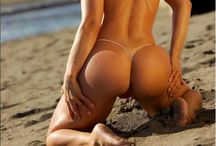 Jenny Poussin sexy microkini
