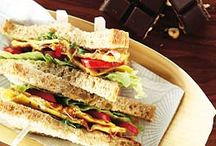 Lunchtrommel / Een saaie boterham in een zakje is niet meer van deze tijd. Pimp je broodtrommel met frittata's, BLT-sandwiches en wraprolletjes. Meer lunchrecepten vind je op janlinders.nl/recepten.