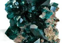 minerals, stones & crystals