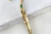 May Birthstone Jewellery - Emerald / May's birthstone – Emerald is a symbol of re-birth, and is said to offer foresight, good fortune and youth to its owner. Emeralds are said to have been discovered in Egypt as early as 300 BC. Today emeralds are to be found in Columbia, Zambia, Brazil and Afganistan.