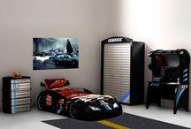 moto-sport / Świetne meble nawiązujące stylistyką do tematyki rajdów wyścigowych.