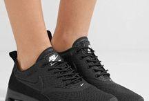 Sneakers // Nike