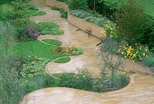Curved timber retaining wall