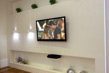 ściana pod tv