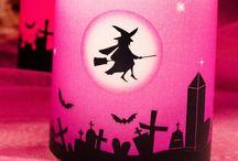 Halloween Deko - Windlichter & Accessoires / Hier findet Ihr schaurig schöne Dekoration für Eure Halloween-Party wie personalisierte Windlichter und gruselige Accessoires.