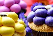 Cake decorating / by Talyuna