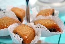 gateaux algeriens / Tableaux des gâteaux algeriens, orientaux et arabes, de fêtes pour toutes autres occasions : retrouvez ici une grande variété de gâteaux à réaliser pour l'Aid, le ramadan ou pour tous les jours avec des gâteaux au miel, des gâteaux glacés, des gâteaux sans cuisson, des gâteaux frits etc...