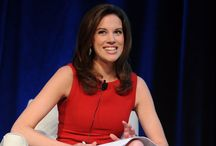 Kelly Evans CNBC Closing Bell Photos on Pinterest / Photos of the elusive CNBC Closing Bell anchor Kelly Evans. Follow our board for more Kelly Evans photos