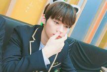 ❤Lee Know / Member of K-pop Group Stray Kids☆ Lee Min Ho♡25 Oktober 1998