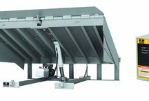 Mechanical vs Hydraulic Dock Leveler - Which is better? / When you consider upgrading your own loading dock, you may have questions about what type you should consider: hydraulic, air-powered, ormechanical. One of the benefits of the Overhead Door turnkey approach to solving our customers' needs is assisting in such decisions. We will help you understand the various advantages and cost factors involved with each of your loading dock decisions, especially when it comes toloading dock levelers.