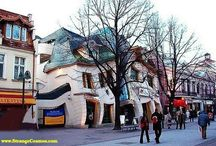Strange Buildings We Love / by Micoley .com