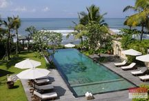 Villa Waringin, Canggu / Located in front of the beach, Villa Waringin has a beckoning and inviting nuance, even from the beach. The exterior and environment of the villa has a magical effect that bewitched you the moment you see it.