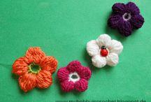 CROCHET FLOWERS & LEAVES / by lamawa1201