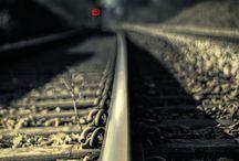 ⋐ Tracks train ⋑