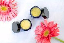 Recettes de produits naturels / Faire ses propres cosmetiques, savons, et autres produits domestiques sans les effets chimiques des produits vendus en grandes surfaces