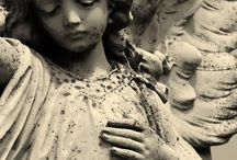 Statues/Sculptures