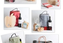 Year end Gifts mix and match / It is not easy finding the right gifts, something that is not too expensive but of great value. Let us do the shopping for you.
