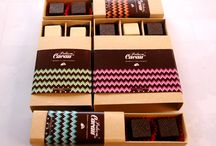 Caixas de bombons / Informações ou encomendas: info@pedacoscacau.pt | +351 938 459 711 | www.pedacosdecacau.pt
