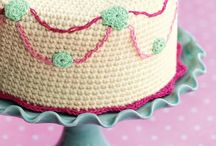 Crochet cakes and food
