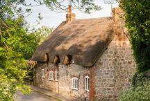 COTTAGES & SMALL HOMES