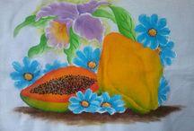 Minhas artes / Alguns trabalhos de pintura e bordado feitos por mim.  Quem desejar ver outros, só dar uma olhada no https://www.flickr.com/photos/r-merat