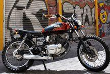 """Street Mc Queen Cafe Racer Obsession / La Street McQueen combina los estilos de Motocross y Dirt Track para dar a esta Yamaha SR 250 una estética basada en """"On any Sunday""""."""