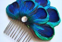 Acessórios para o cabelo travessas - Hair comb /  Com muito glamour existe uma selecção de travessas/ hair comb para enfeitar os cabelos  https://www.pinterest.pt/ConceicaoVidal/