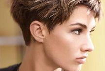 Coiffure cheveux courts femme
