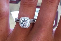 Engagement rings / by Tori Wrede