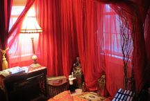 Red moon room