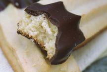 Delish - Sweets / by Marlene Dugan