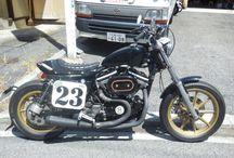 【FOR SALE】1992 Harley Davidson XLH883 Sportster / 広島県廿日市市のハーレーカスタムショップモミアゲスピード モーターサイクルズ。 モミスピ製作のカスタムバイクを販売! 排気量は1200ccで、ビューエルヘッドの燃焼室を更に加工し、プッシュロッド・カム等も変更。 速く楽しくカッコ良くの3拍子揃ったモミアゲハンサム8号をどうぞ!