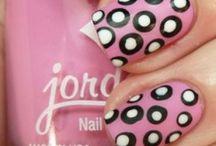 Pöttyös Nails