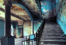 Abandoned / Abamdoned houses, empty places